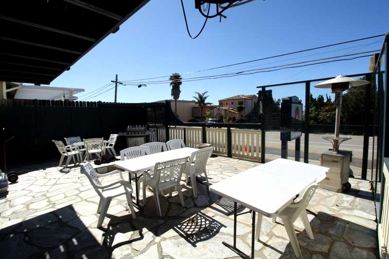 Outdoor Patio and Firepit Barbeque Hotels Motels Walking Distance to cayucos Beach Morro bay Cambria Hearst Castle Beachwalker Inn and Suites