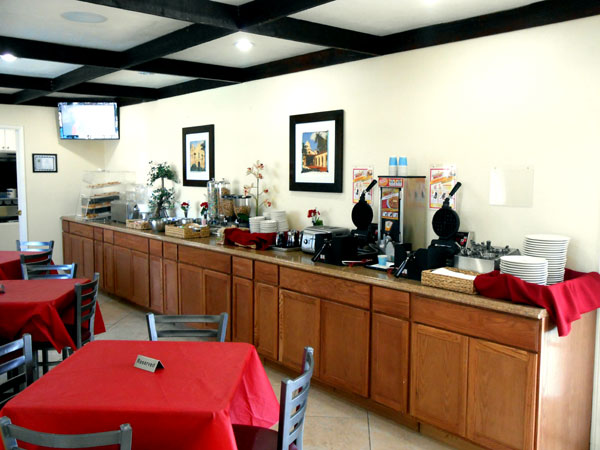 Free Hot Breakfast with Eggs Cheap Budget Affordable Discount Lodging Best Host Inn Buena Park California