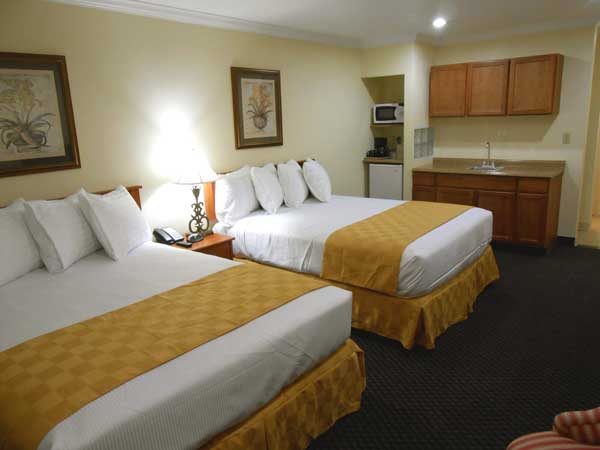 Clean Comfortable Accommodations Hotels Motels Lodging Buena Park Anaheim Knotts Berry Farm Disneyland Best Host Inn Buena Park California