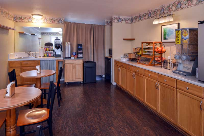 Free Continental Breakfast Hotels Motels in Cayucos California
