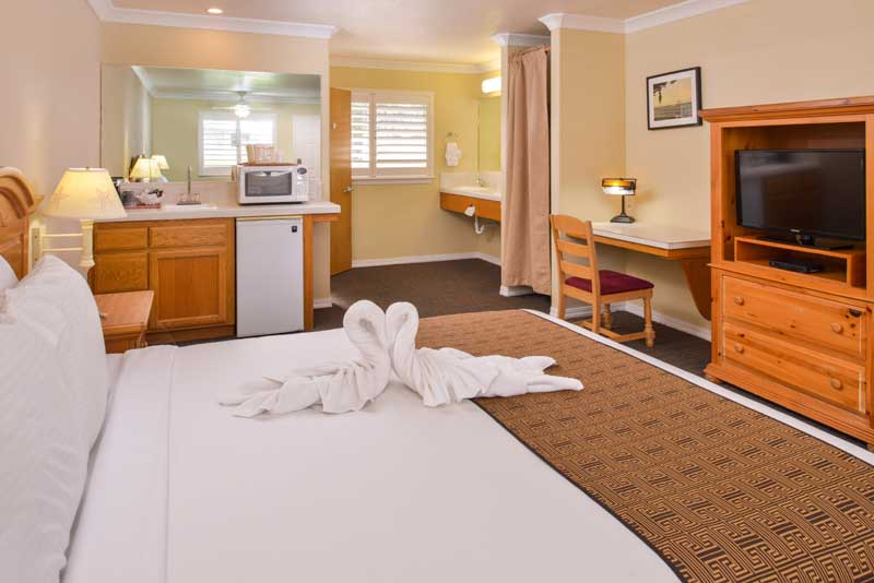 Budget Affordable Lodging Cayucos Inn by Beach