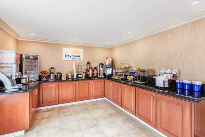 Free Continental Breakfast Hotels carlsbad Amenities * Lodging Accommodations Comfort Inn Lodging New Amenities