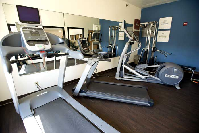 Fitness Center Hotels Motels Amenities Newly Remodeled Free WiFi Free Continental Breakfast Comfort Suites Liberty Kansas City MO Reasonable Affordable Rates Amenities Hotels Motels Lodging Accomodations Great Amenities Kansas City Missouri