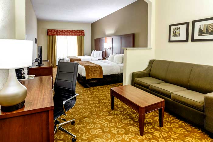Meeting Room Business Travelers Budget Discount Cheap Hotels Motels Lodging in Liberty Kansas City Comfort Suites