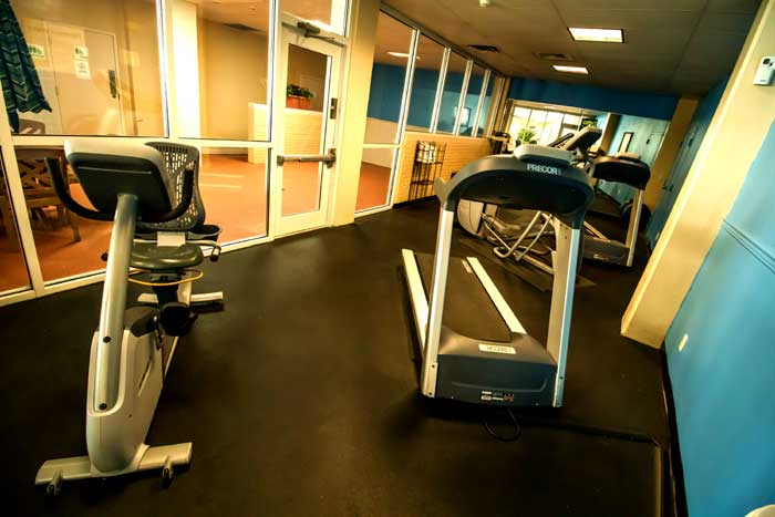 Fitness Center Free Airport Shuttle Hotels Motels Lodging Accommodations Budget Discount Cheap Affordable lodging Cottonwood Suites Louisville Kentucky Former Holiday Inn