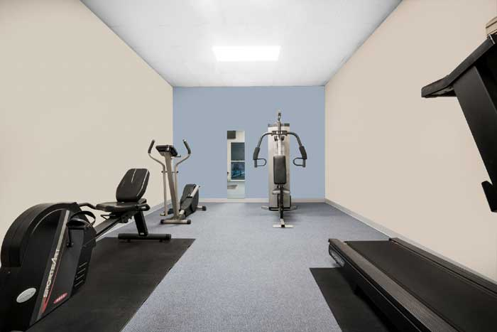 Fitness Center Free Continental Breakfast Free Airport Shuttle Pet Friendly Hotels Motel Budget Cheap Lodging Accommodations Clean Comfortable Flat Screen TVs