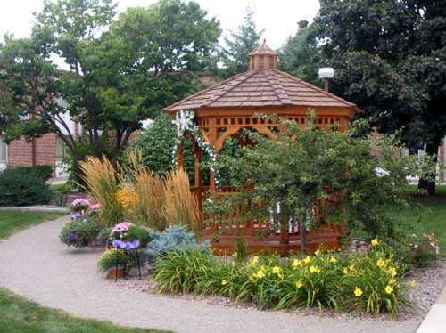 Gazebo Hotels Motels Amenities Newly Remodeled Free WiFi Free Continental Breakfast Days Inn Conference Center Weddings La Crosse WI Reasonable Affordable Rates Amenities Hotels Motels Lodging Accomodations Great Amenities La Crosse Wisconsin