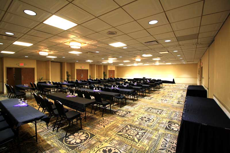 Meeting Room Weddings Business Travelers Hotels Motels Lodging Accommodations Budget Affordable Lodging Days Inn La Crosse WI