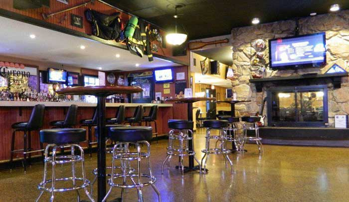 Heroes bar and Grill Lounge Hotels Motels Amenities Newly Remodeled Free WiFi Free Continental Breakfast Days Inn Conference Center Weddings La Crosse WI Reasonable Affordable Rates Amenities Hotels Motels Lodging Accomodations Great Amenities La Crosse W