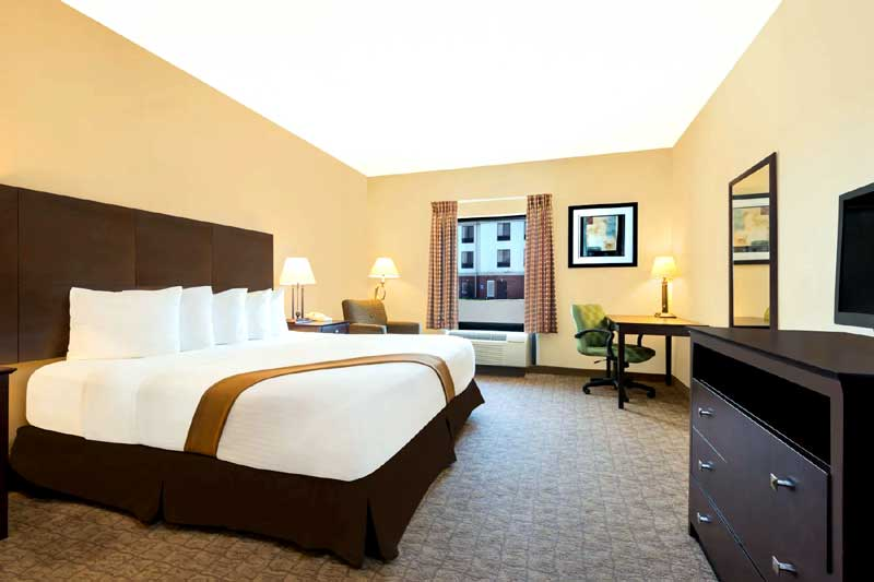 Budget Affordable Lodging Newly Remodeled Hotel Flat Screen Tv Days Inn Mcpherson Kansas