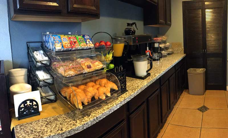 Free Continental Breakfast Outdoor Seating ADA Compliant Hotel Motel Lodging Accommodayions Escondido Lodge