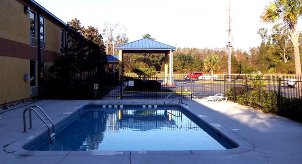 Seasonal Outdoor Pool Amenities Newly Remodeled Free WiFi Free Continental Breakfast Executive Inn and Suites Baker LA * Reasonable Affordable Rates Amenities Hotels Motels Lodging Accomodations Great Amenities Baker Louisiana
