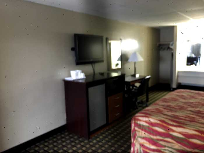 Newly Remodeled Rooms Flat Screen TVs HBO Extended Channels Americas Best Value Inn Raleigh NC Cheap Discount Budget Affordable Lodging Business Traveler Hotels Motels Columbus Ohio