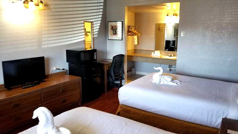 Clean Comfortable Accommodations Budget Affordable Lodging Santa Fe Inn Puebl CO
