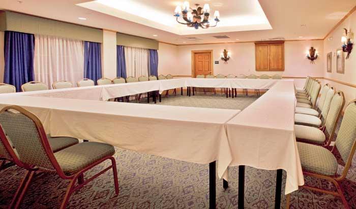 Business Travelers meetings gatherings Hotels Motels Disney World Receptions Holiday Inn Express Full Hot Buffet Breakfast
