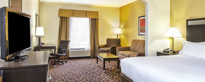 Free Hot Breakfast Buffet Guest Laundry Business Center Family Suites Separate Living Area Holiday Inn Express and Suites marysville Trip Advisor Winner 2016