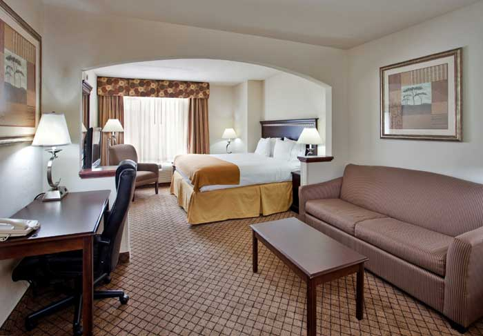 Meeting Room Business Travelers No Pets Hotels Motels Holiday Inn Express And Suites Mcpherson Ks