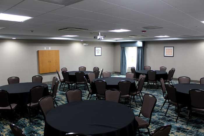 Meetings Functions Weddings Holiday Inn Shawnee Kansas