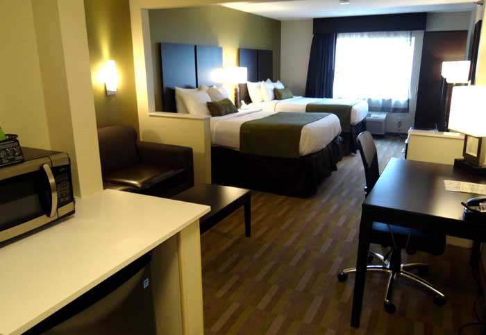 Newly Remodeled Rooms Cable Flat Screen TV Family Businness Suites Sofa Bed Budget Affordable Discount Lodging Hotels Motels pet Friendly Hilliard Suites Hilliard OH