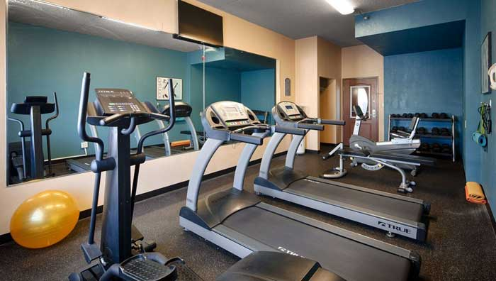 Fitness Room Business Center Full Hot Buffet Breakfast Holiday Manor Newton Discount Cheap Budget Hotels Motels Lodging Accommodations Budget Affordable lodging