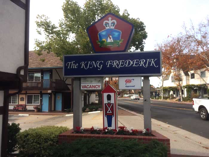 Budget Affordable Lodging Downtown Solvang California King Frederik Inn