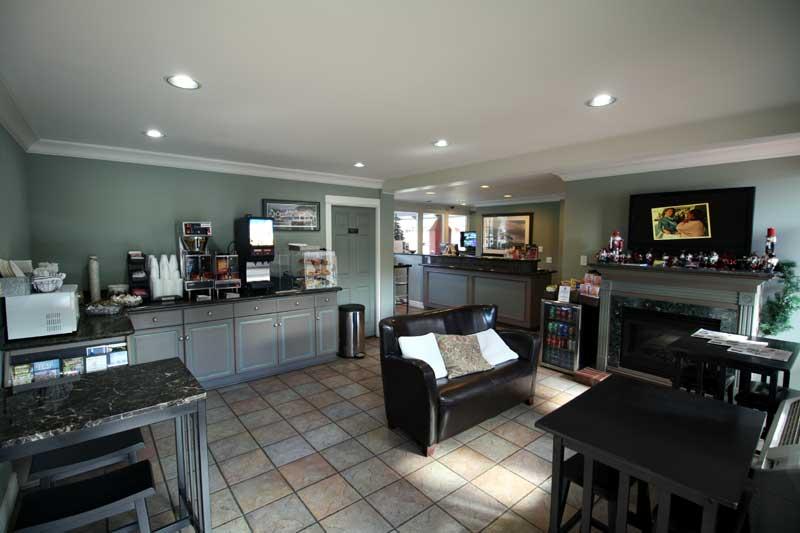photo gallery king frederik inn solvang california ca. Black Bedroom Furniture Sets. Home Design Ideas