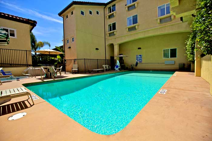 Seasonal Outdoor Pool Hotels Motels Amenities Newly Remodeled Free WiFi Free Continental Breakfast Lamplighter Inn Downtown Cal Poly San Luis Obispo CA Reasonable Affordable Rates Amenities Hotels Motels Lodging Accomodations Great Amenities San Luis Obis
