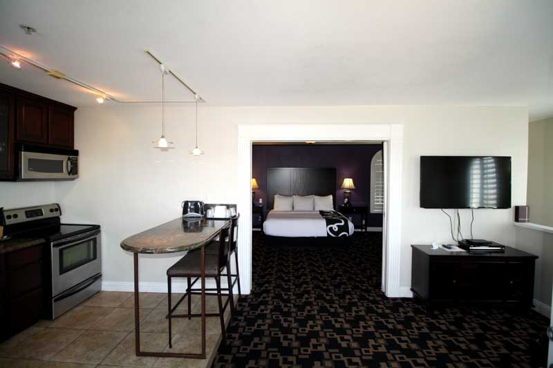 Multi Level Apartment Spa Rooftop Ocean Views La Quinta Inn Budget Affordable Extended Stay Lodging Newly Remodled Full Kitchens Pet Friendly La Quinta Inn Oceanside Ca.