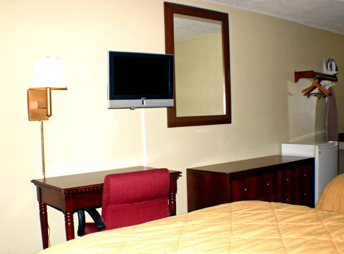 Flat Screen TVs Fridge Microwave Hotels Motels Pet Friendly in Belleville OH