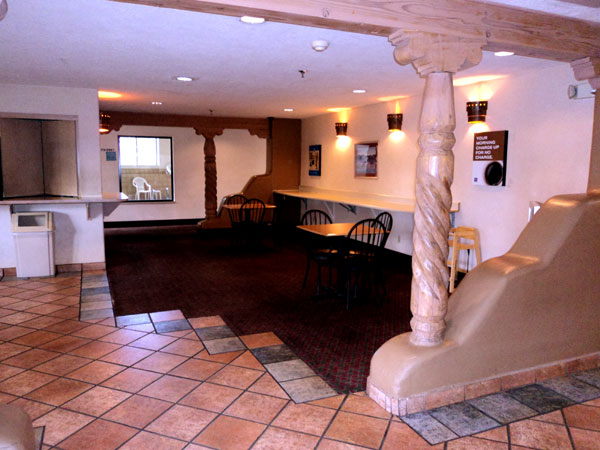 Pet Friendly Free WiFi Amenities lodging Hotels Accommodations lodging Budget Santa Fe NM * Econo Lodge Hotels Motels Budget Santa Fe New mexico