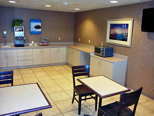 Free morning Coffee Motel 6 Bernallilo NM Amenities * Hotels motels 6 WiFi Coffee