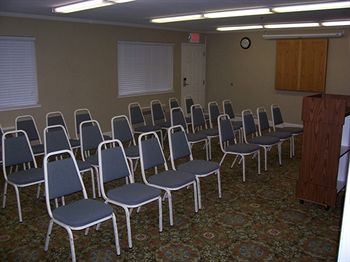Meeting Space Business TravelersFree Bus Truck Parking Hotels Motel Lodging Amenities Lodi Woodbridge Area California * Motel 6 Lodi Ca Wine Country Pet Friendly Rooms