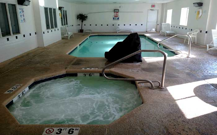Indoor Pool Spa Refreshing Business Travelers Affordable Lodging Hotels Motels Ruidoso Motel 6 New mexico Billy The Kid Casino
