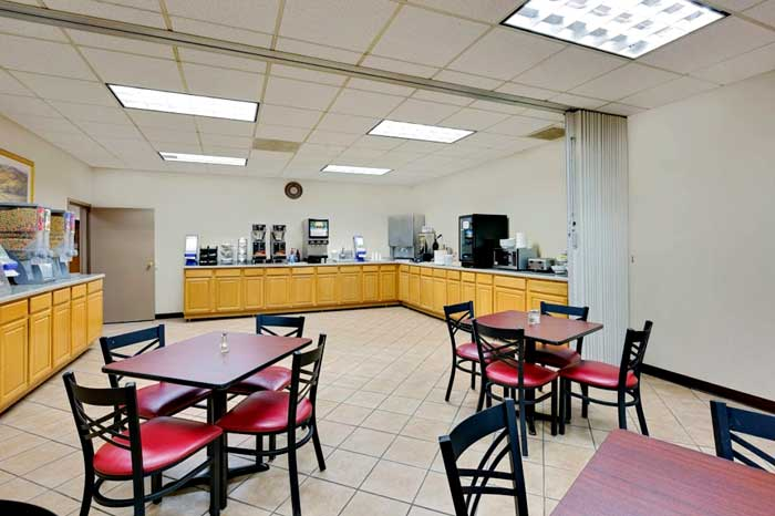 Free Continental Breakfast Worthington Hotels Travelodge Norwood Inn and Suites Hotels Motels in Worthington MN.