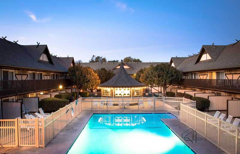 Outdoor Heated Pool Spa Laundry Room Peasoup Andersens Restaurant Lodging Accommodations in Buellton Ca