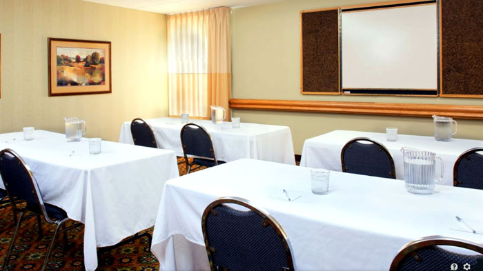 Business Travelers Meetings Meeting Room FEMA approved Hotels Motels Saint Louis Florissant Quality Inn Missouri