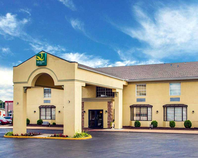 pet Friendly Hotels Saint Louis Missouri Budget Accommodations Lodging