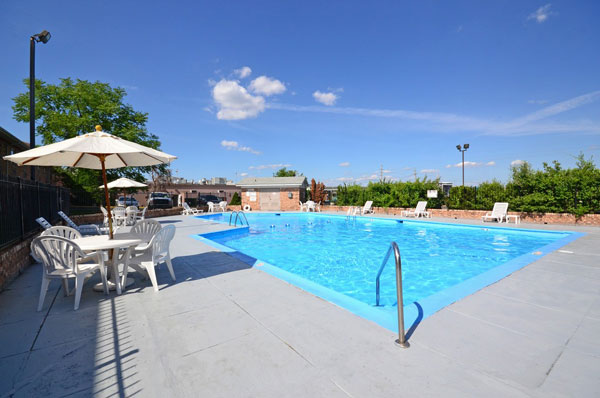 Seasonal Outdoor Pool Free WiFi Airport Shuttle Hotels Missouri