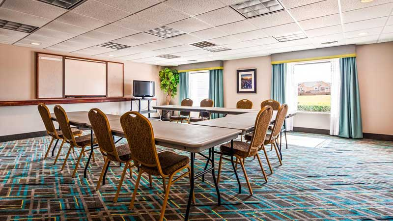 Business Center Cheap Accommodations Newly Remodeled Clean Comfortable