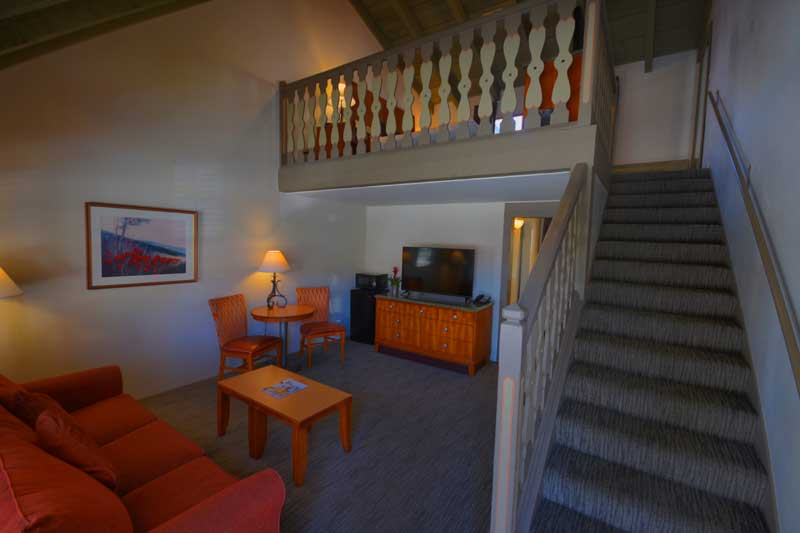 Pet Friendly Rooms Loft Family Suites Pull Out Couch PCPA Theater Danish Days Wine Festival Tasting Receptions Royal Copenhagen Inn