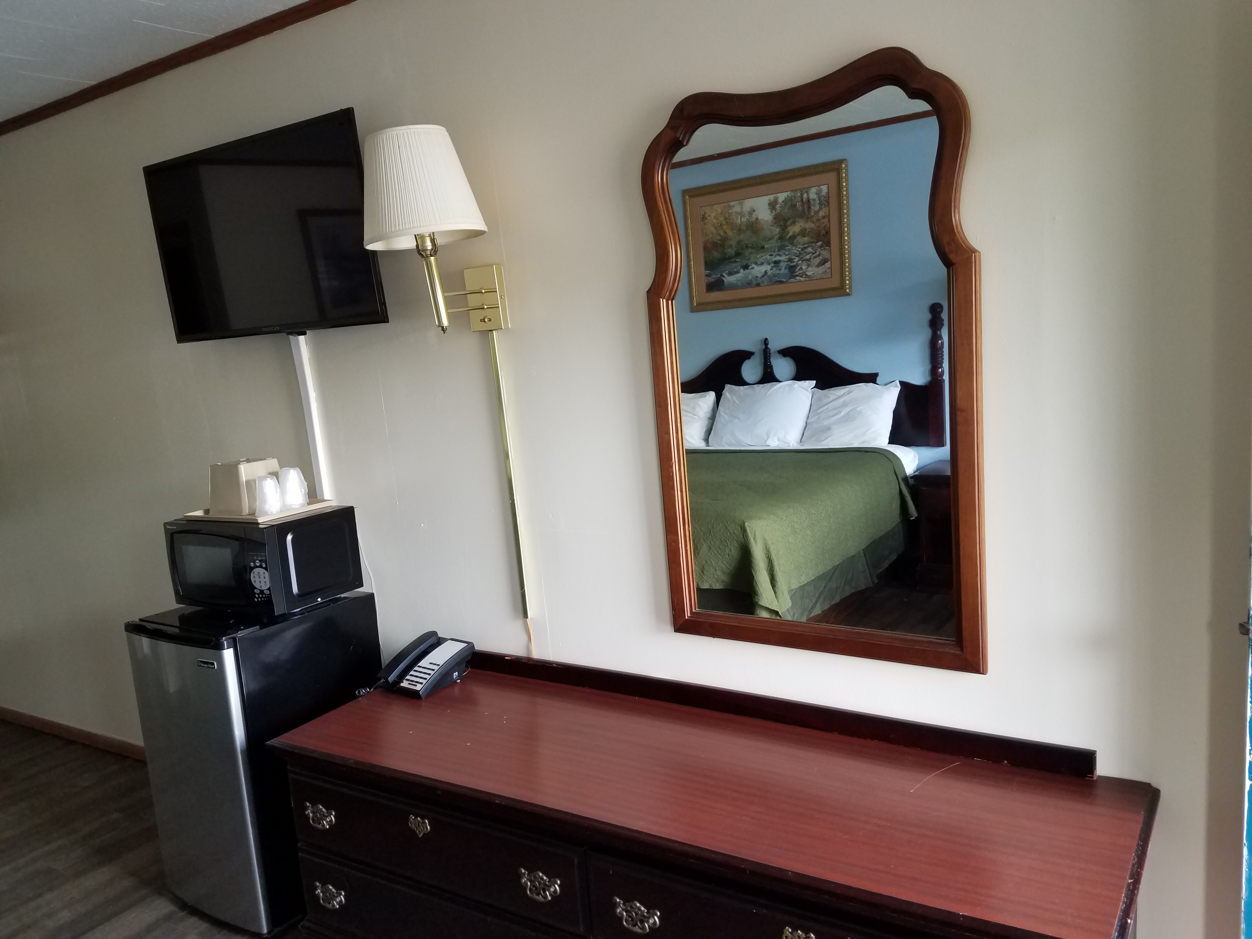 Pet Friendly Hotel  Budget Location Affordable Newly Remodeled Hotels in Franklin North Carolina