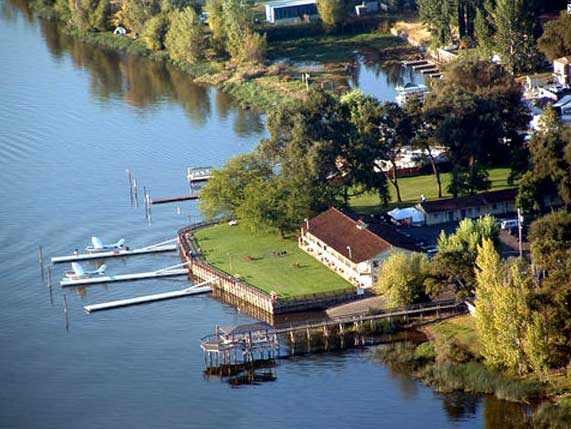 Rodeway Inn And Suites Skylark Shores Resort Lake County