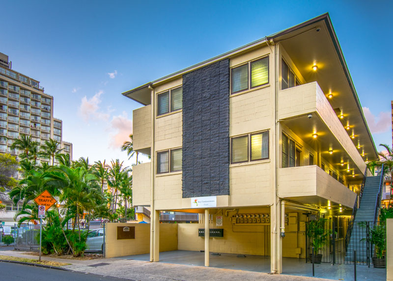 Budget Affordable Cheap Lodging Accommodation Hotels Motels Condos Condominium Extended Stay Waikiki Beach Hawaii Honolulu