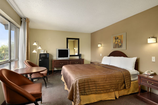 Dining Travelodge University Seattle Washington WA Hotels Motels Accommodations
