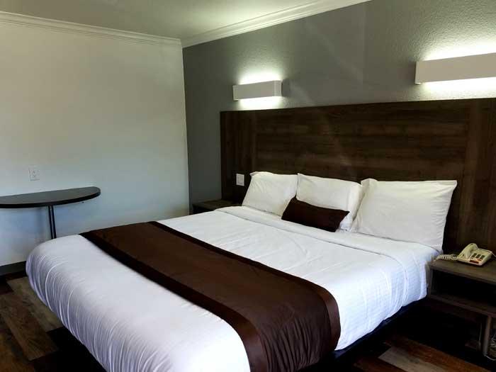 Newly Remodeled Rooms Lodging Value Inn Bellflower 24 Hour Desk