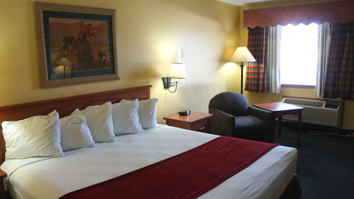 Clean Rooms Hot Continental Pet Friendly Hotel Breakfast Budget Affordable Lodging Hotels Motels Village Inn Vernon Texas