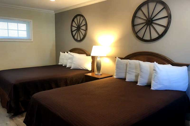 Clean Comfortable Newly Remodled Hotels Motels by Disneyland and Knotts Berry Farm