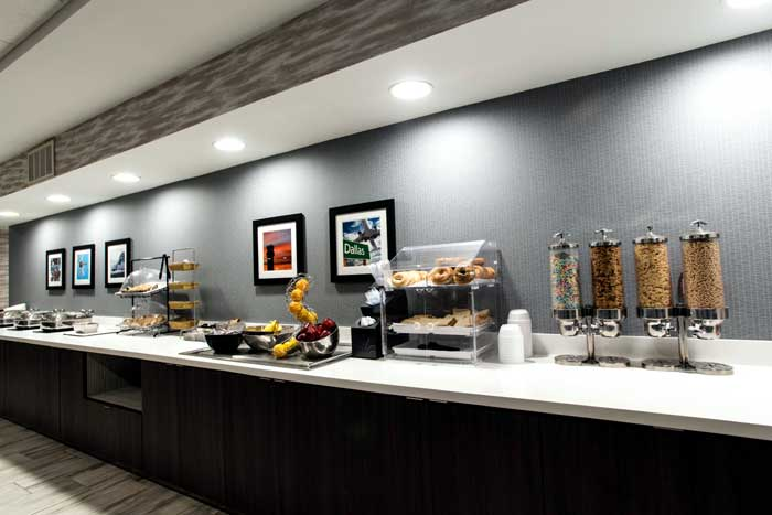 Free Hot Breakfast Buffet Wingate Dallas Texas Love Field Airport