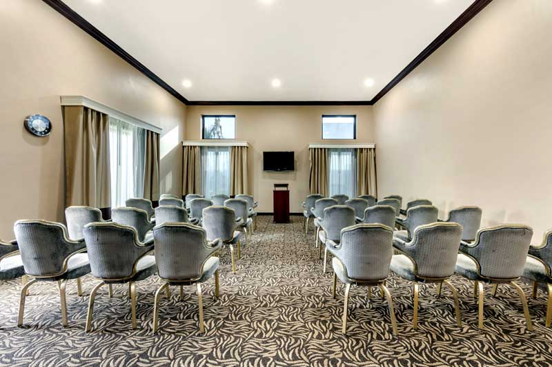 Meeting Room Business Traveler Budget Cheap Affordable Lodging Hotels Motels Meetings Family Suites