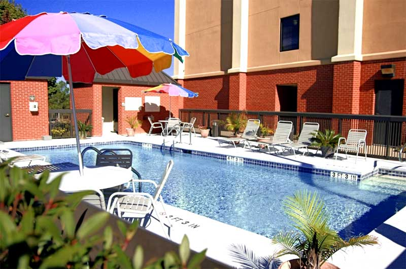 Seasonal Outdoor Pool Hotels Motels Lodging ADA Compliant Affordable Lodging Discount Budget Business Travelers Family Hamilton Inn Bessemer